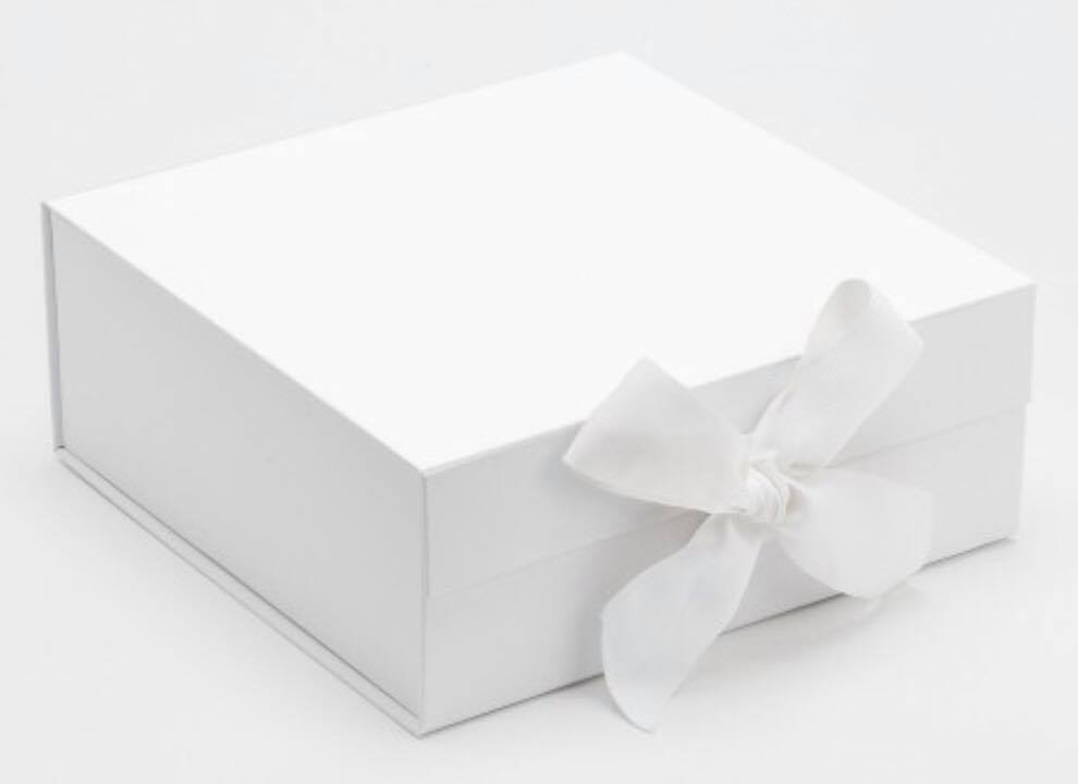 Large - White bespoke box $25.00   Size 385mm (L) x385mmx (W) x 115mm (H)